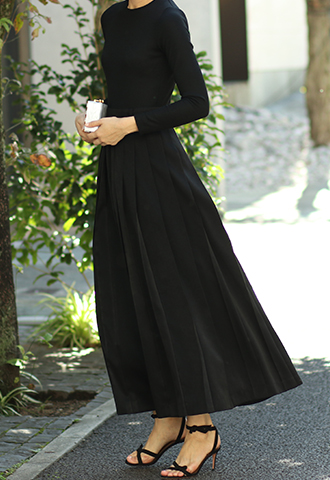 【HAUTE Original】PLEATED LONG SKIRT DRESS - Black/Black