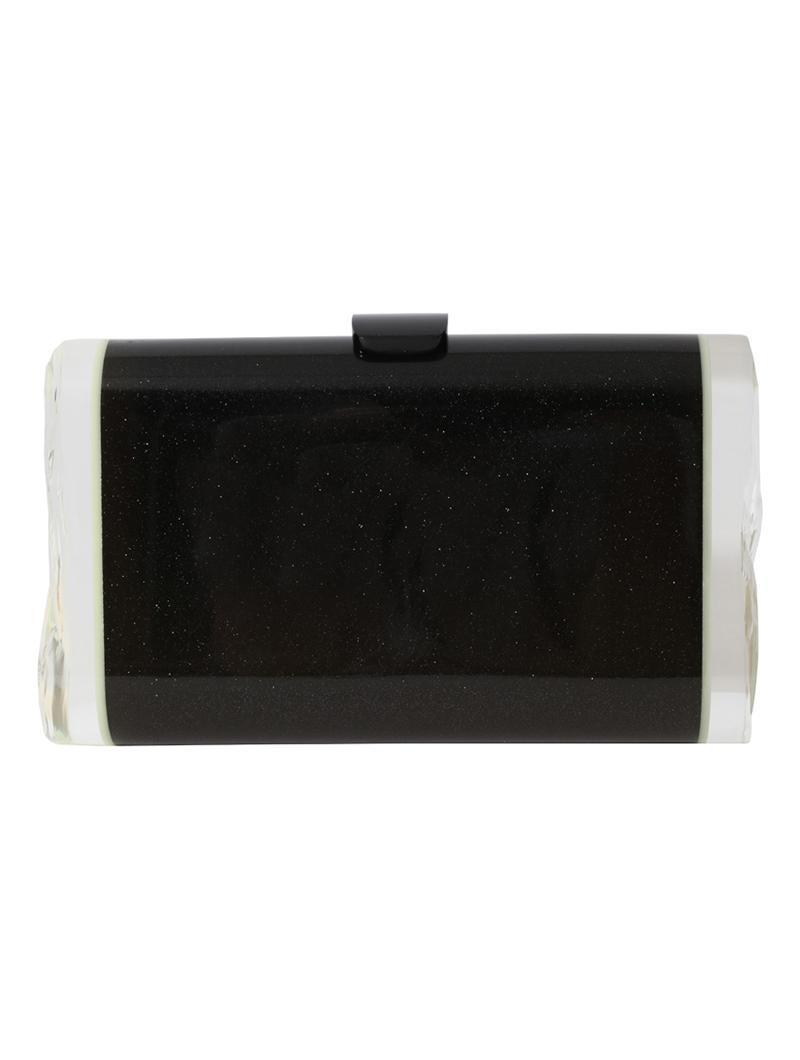 ブラックに細かなラメが施されたシンプルで使い勝手の良いクラッチバッグ