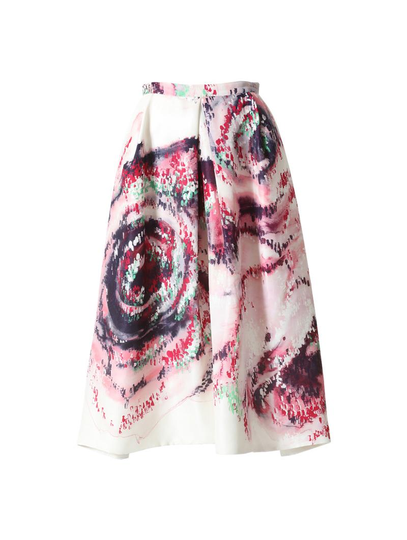 深みのあるピンク、レッド、ブラック、グリーンの水彩プリントが全体に施されたスカート