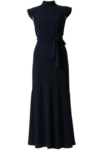 ネイビカラーのノースリーブタイプのロングドレス。背中がざっくりと開いたデザインで、ヒップ周りはタイトなシルエットの、エレガントなネイビーのロングドレスとなります。