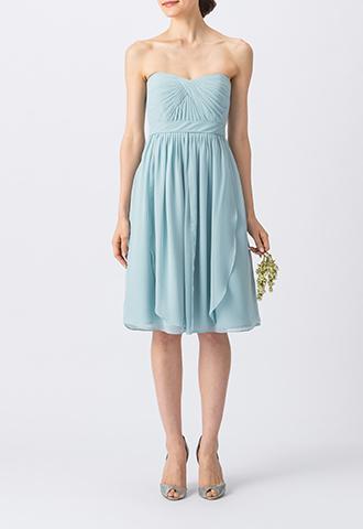 水色のベアタイプのショート丈ブライズメイドドレス