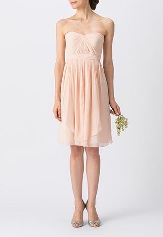 ピンクのベアタイプのショート丈ブライズメイドドレス
